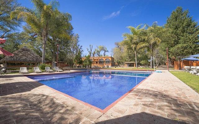 Hotel El Marqués Hacienda, relájate en su alberca al aire libre