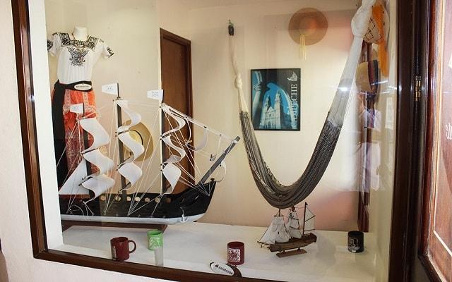Hotel El Navegante, tienda