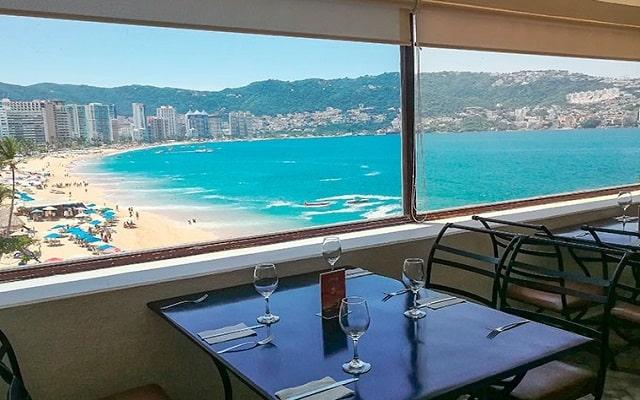 Hotel El Presidente Acapulco, disfruta tus alimentos con estas hermosas vistas