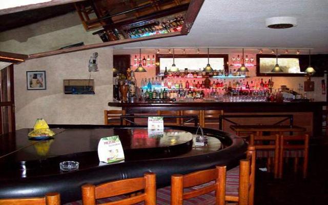 Hotel El Tropicano Acapulco, Bar Acapella