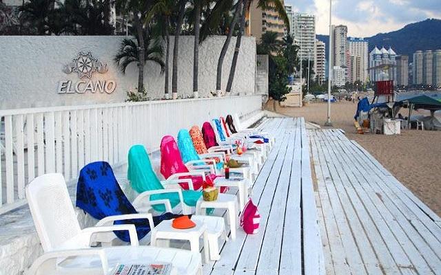 Hotel Elcano Acapulco, buena ubicación a pie de playa
