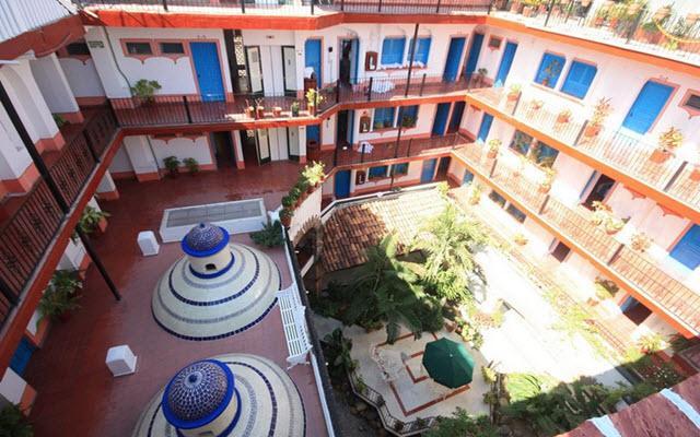 Hotel Encino