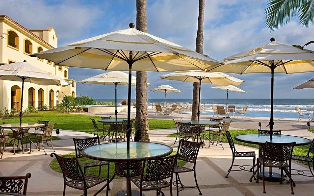 Hotel Estrella del Mar Resort Mazatlán, espacios ideales para disfrutar una copa