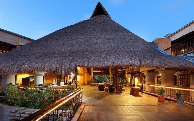 Hotel Eurostars Hacienda Vista Real, buena ubicación
