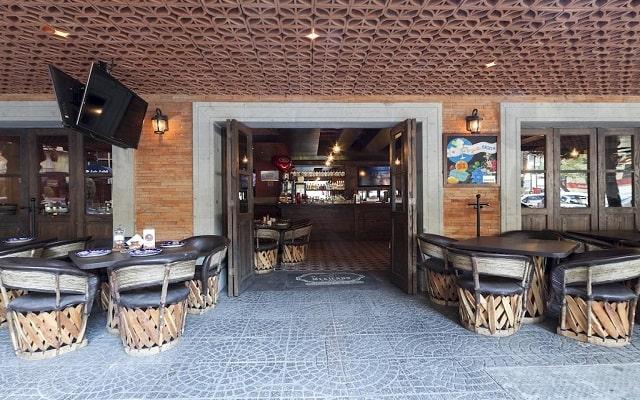Hotel Exe Suites San Marino, buen servicio
