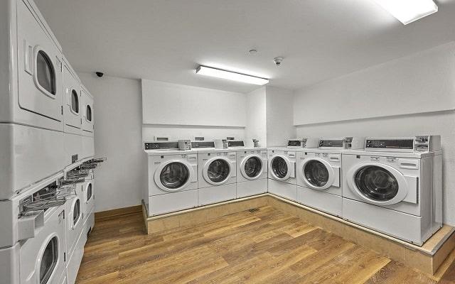 Hotel Extended Suites Coatzacoalcos Forum, lavandería de autoservicio