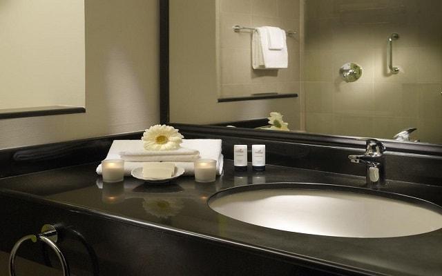 Hotel Fairfield Inn by Marriott Los Cabos, amenidades de calidad