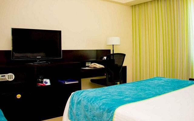 Hotel Fairfield Inn by Marriott Los Cabos, habitaciones bien equipadas