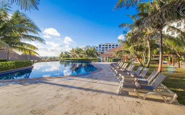 Hotel Fiesta Americana Condesa Cancún All Inclusive, disfruta de su alberca al aire libre