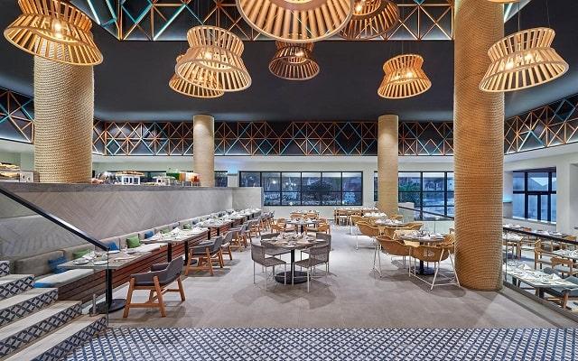 Hotel Fiesta Americana Condesa Cancún All Inclusive, atención personalizada desde el inicio de tu estancia
