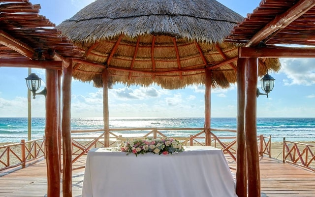 Hotel Fiesta Americana Condesa Cancún All Inclusive, tu boda como la imaginaste