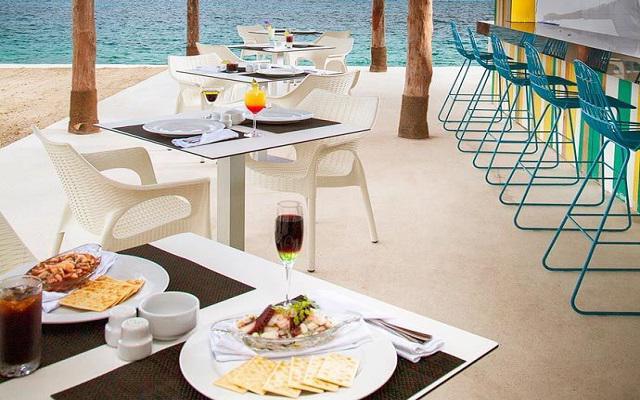 Hotel Fiesta Americana Cozumel All Inclusive, disfruta de un rico menú