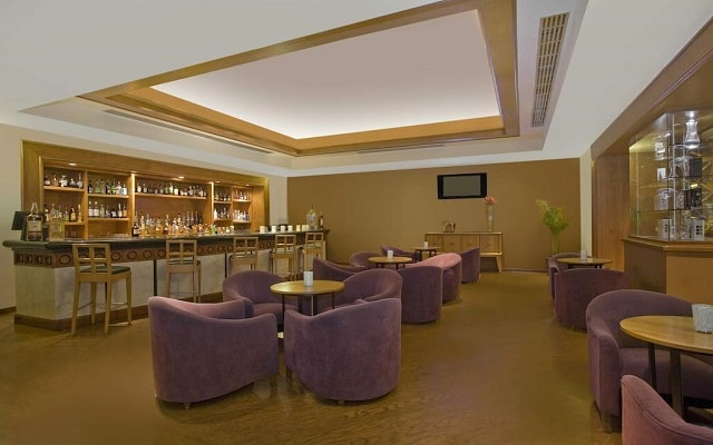 Hotel Fiesta Americana Guadalajara, disfruta una copa en el bar