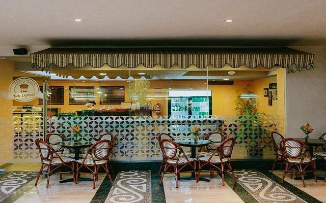 Hotel Fiesta Americana Puerto Vallarta All Inclusive & Spa, disfruta un delicioso café en el Deli