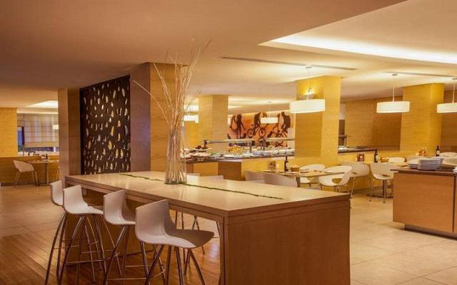 Hotel Fiesta Inn Aeropuerto Ciudad de México, lugar ideal para disfrutar tus alimentos