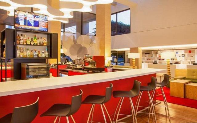 Hotel Fiesta Inn Aeropuerto Ciudad de México, sitio acogedor para disfrutar una copa