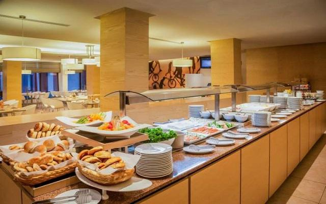 Hotel Fiesta Inn Aeropuerto Ciudad de México, gastronomía nacional e internacional