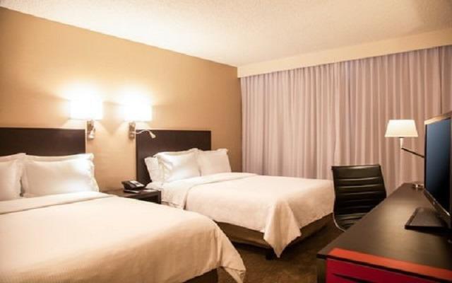 Hotel Fiesta Inn Aeropuerto Ciudad de México, espacios acogedores para tu descanso
