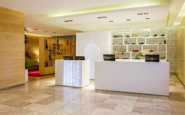 Hotel Fiesta Inn Centro Histórico, atención personalizada desde el inicio de tu estancia