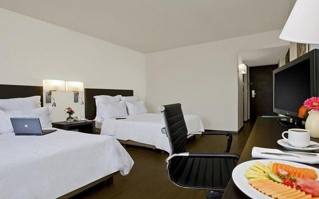 Hotel Fiesta Inn Guadalajara Expo, habitaciones bien equipadas