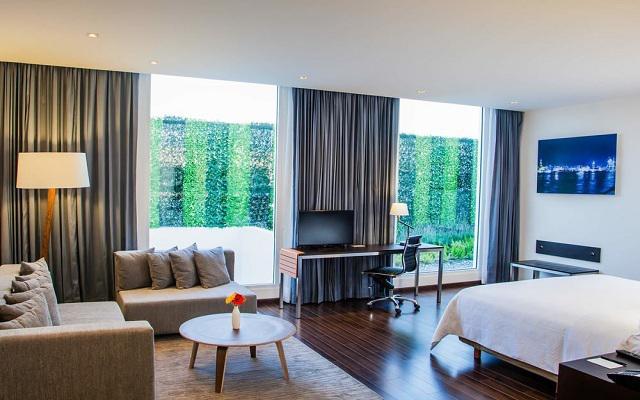 Hotel Fiesta Inn Plaza Central Aeropuerto, espacios diseñados para tu descanso