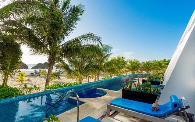 Hotel Flamingo Cancún Resort, habitaciones con acceso a la alberca