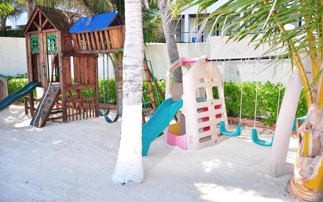 Hotel Flamingo Cancún Resort,  área de juegos