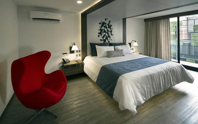 Hotel FlowSuites Condesa, confortables habitaciones con vista a la ciudad o al interior del hotel