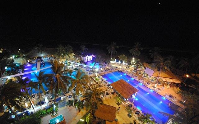 Hotel Fontan Ixtapa Beach Resort, disfruta de noches increíbles