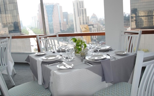 Hotel Fontán Reforma, tus alimentos con vistas hermosas de la ciudad