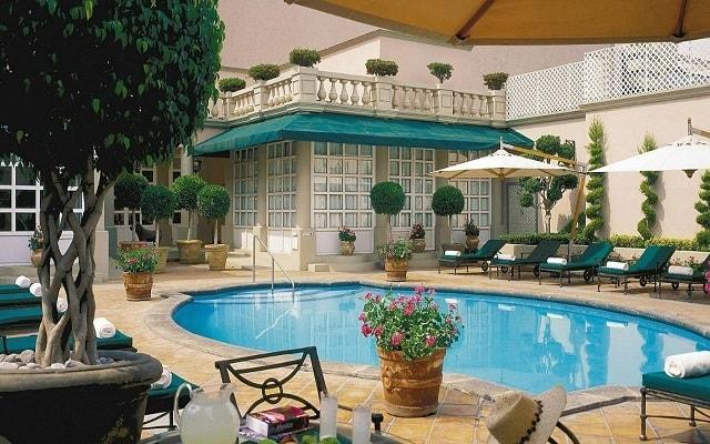 Hotel Four Seasons México, disfruta de su alberca al aire libre