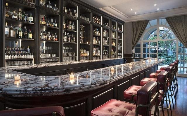 Hotel Four Seasons México, disfruta una copa en el bar
