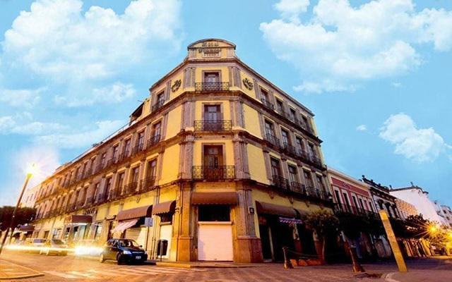 Hotel Francés, situada a pasos de la Catedral de Guadalajara