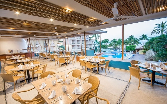 Hotel Friendly Vallarta Family All Inclusive Beach Resort and Spa, escenario ideal para tus alimentos
