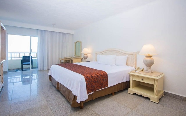 Hotel Friendly Vallarta Family All Inclusive Beach Resort and Spa, amplias y luminosas habitaciones