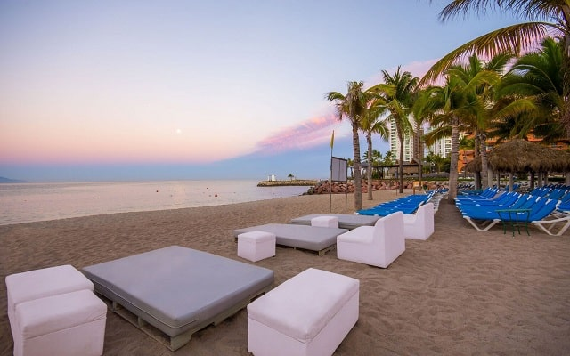 Hotel Friendly Vallarta Family All Inclusive Beach Resort and Spa, disfruta la playa