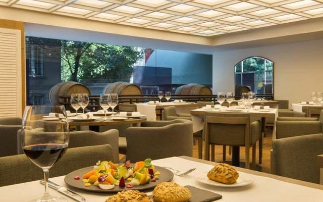 Hotel Galería Plaza Reforma, Restaurante Almara