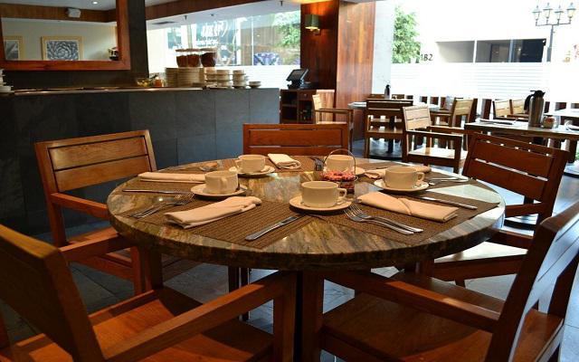 Hotel Galería Plaza Reforma, empieza tu día con un rico desayuno