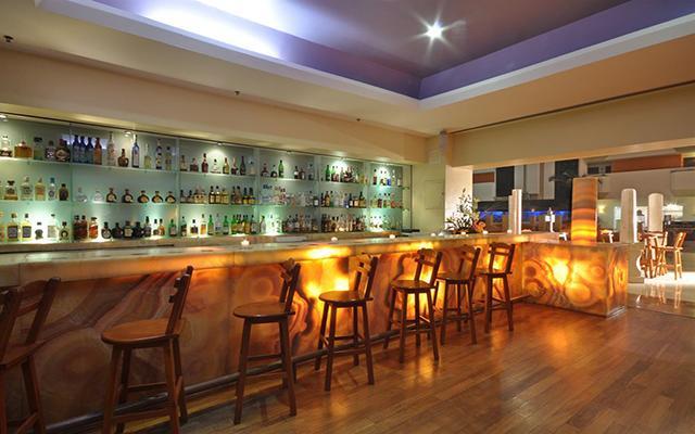 Galería Plaza Veracruz by Brisas, disfruta una copa en el bar