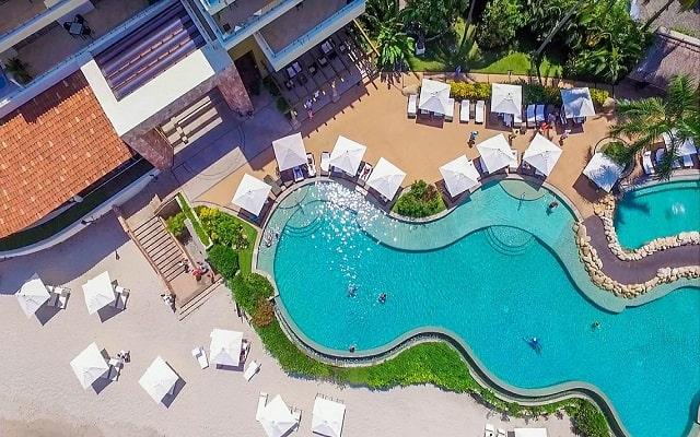 Hotel Garza Blanca Residences All Inclusive, disfruta de su alberca al aire libre