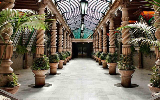 Hotel Geneve, Salón El Patio