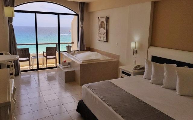 Hotel Golden Parnassus Resort and spa, comodas y acogedoras habitaciones