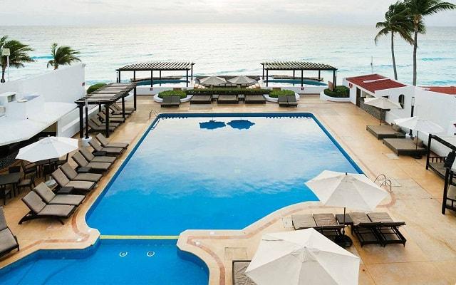 Hotel GR Caribe By Solaris Deluxe All Inclusive Resort, disfruta de su alberca al aire libre