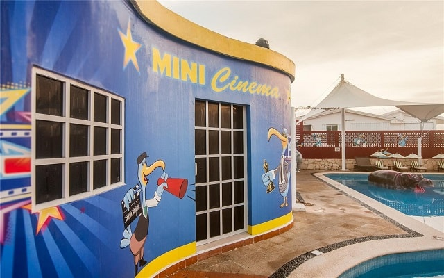 Hotel GR Caribe By Solaris Deluxe All Inclusive Resort, cine para que se diviertan los pequeños