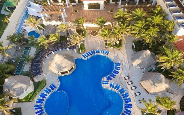 Hotel GR Solaris Cancún, disfruta de su alberca al aire libre