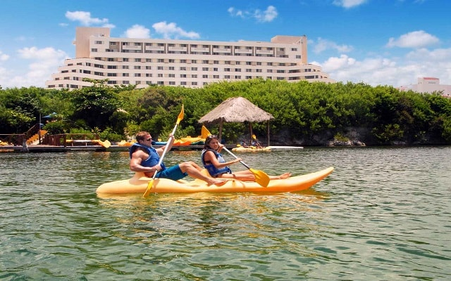 Hotel GR Solaris Cancún, kayak
