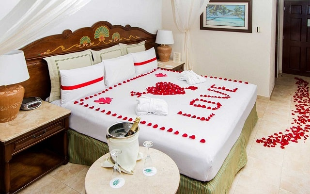 Hotel GR Solaris Cancún, amenidades especiales para lunamieleros