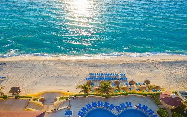 Hotel GR Solaris Cancún, amenidades en la playa para tu confort
