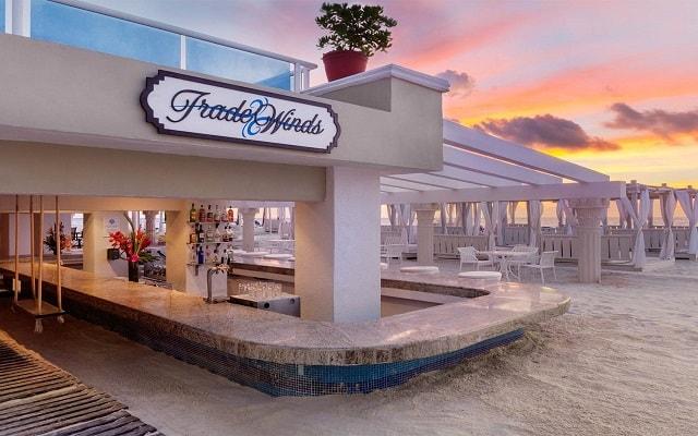 Hotel Gran Caribe Resort and Spa, Snack Bar Trade Winds