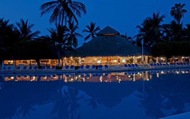 Hotel Gran Festivall Manzanillo All Inclusive Resort disfruta de su área de albercas